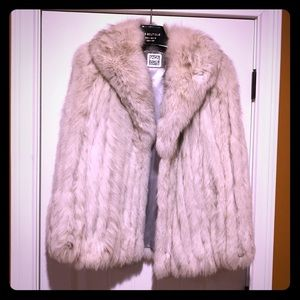 Vintage Saga Fox Fur Coat 🦊